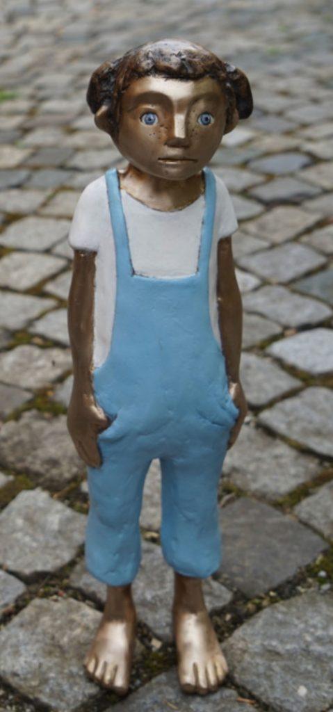 Lottas blaue Hosen Bronze